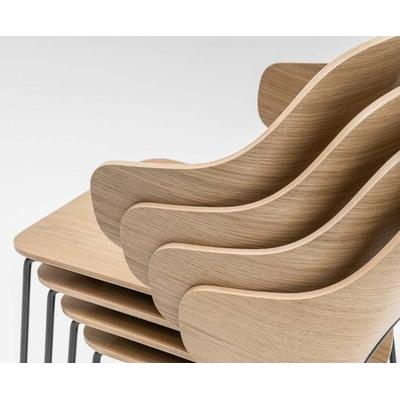 Chaise ALFI, dossier enveloppant ou semi-enveloppant. Le choix du confort.